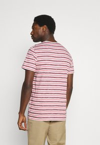 TOM TAILOR - STRIPED - T-shirt con stampa - powerful red - 2