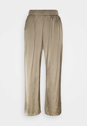VMNATALIA PANTS - Trousers - bungee cord