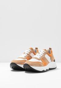 Gabor - Sneakers laag - caramel/pfirsich - 4