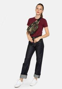 Eastpak - BANE CORE COLORS  - Bum bag - khaki - 1