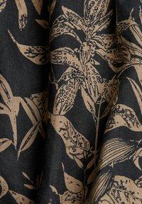 Esprit - MIT BOTANIK-PRINT - Shirt - black - 9