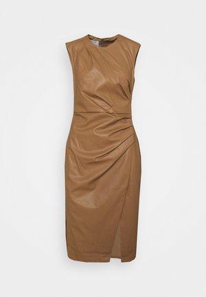 MARIE PLEAT DRESS - Shift dress - camel