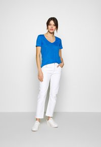 Agolde - TONI - Jeansy Slim Fit - white - 1