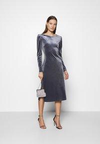 Saint Tropez - CALLIESZ LONG DRESS - Cocktail dress / Party dress - folkstone gray - 1