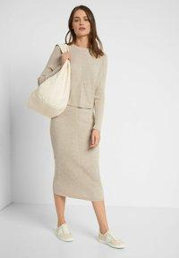 ORSAY - Pencil skirt - zementgrau - 1