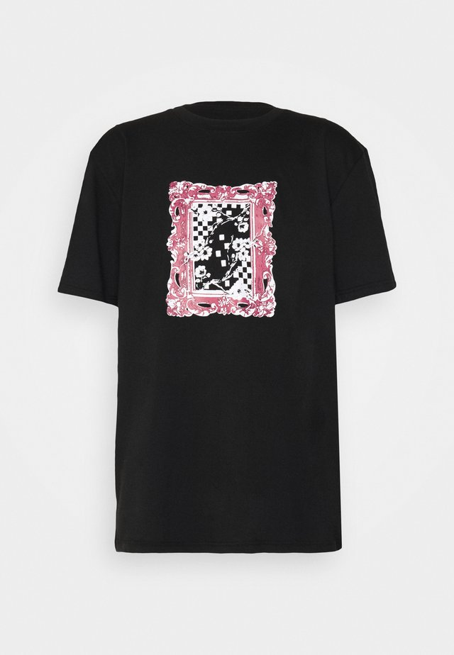 GRAPHIC PRINTED OVERSIZED UNISEX - Printtipaita - black