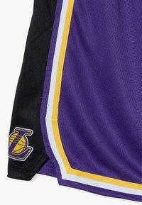 Nike Performance - NBA LOS ANGELES LAKERS STATEMENT SWINGMAN  - Sportovní kraťasy - court purple - 4