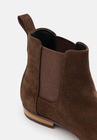HUGO - CULT CHEB - Kotníkové boty - dark brown - 5