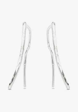 HAMMERED CRAWLER EARRINGS - Oorbellen - silver