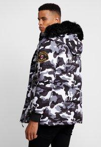 Alessandro Zavetti - OSHAWA PADDED - Winter jacket - khaki - 2