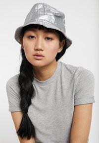 Flexfit - BUCKET HAT - Hat - silver - 4
