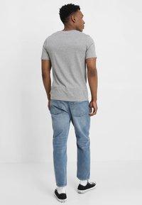 Jack & Jones - JJEPLAIN  - Basic T-shirt - light grey melange - 2