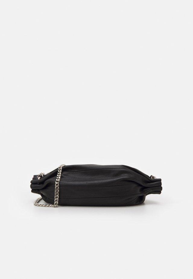 KARLA CHAIN BAG - Sac bandoulière - black