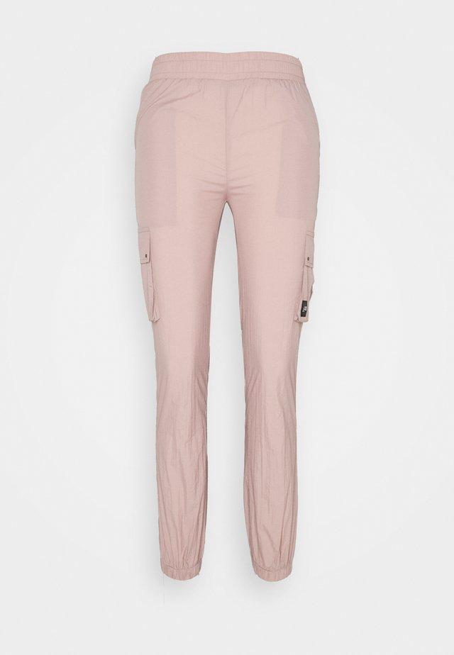 Kapsáče - pink