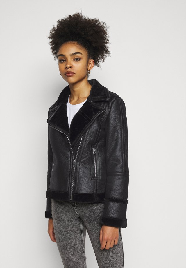 AVIATOR - Veste en similicuir - black