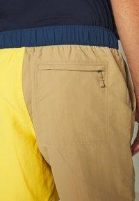 The North Face - MEN'S CLASS PULL ON TRUNK - Outdoorové kraťasy - kelp tan/bamboo yellow - 4