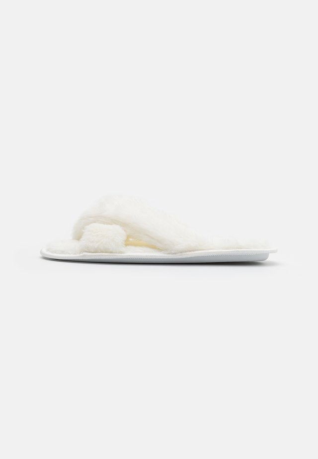 Slippers - cream