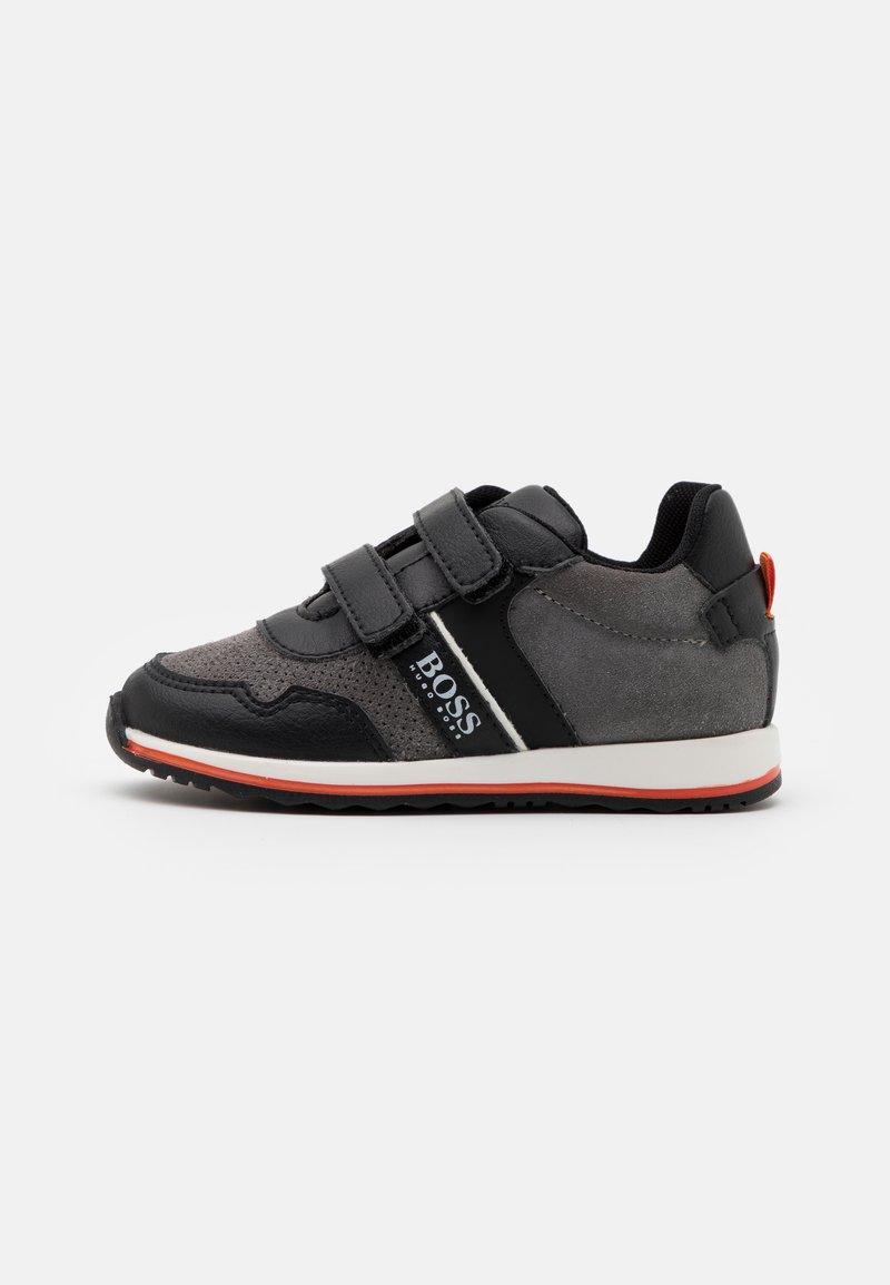 BOSS Kidswear - TRAINERS - Baskets basses - medium grey