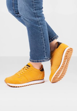 YDUN CROCO II - Trainers - orange