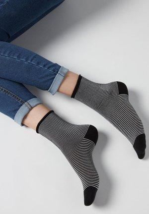 Socks - schwarz black stripes