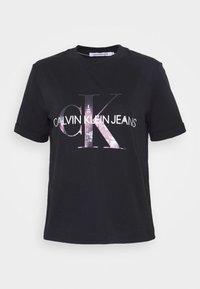 Calvin Klein Jeans - NEW YORK PRINT TEE - T-shirt z nadrukiem - black - 4