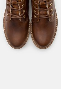 Vero Moda - VMBETTY BOOT - Winter boots - friar brown - 5