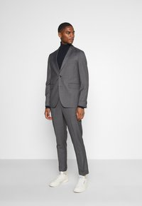 Isaac Dewhirst - UNSTRUCTURED DRAWCORD  - Completo - grey - 0