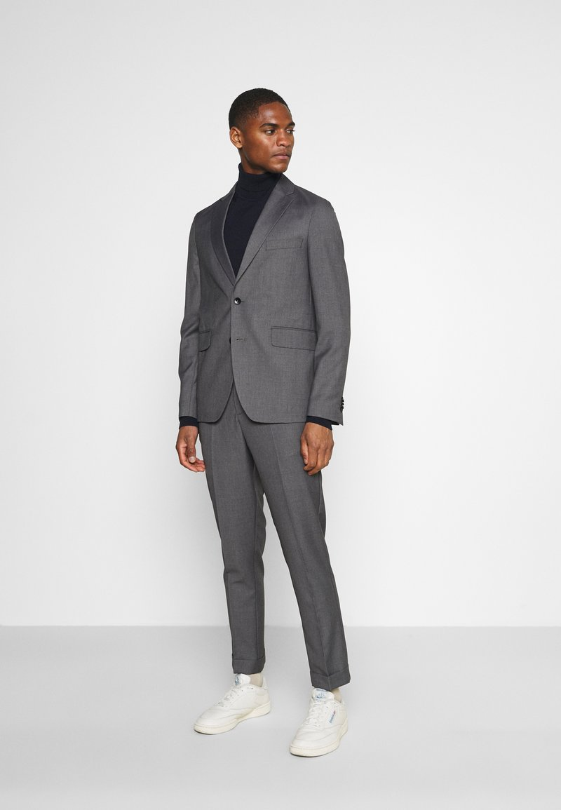 Isaac Dewhirst - UNSTRUCTURED DRAWCORD  - Completo - grey