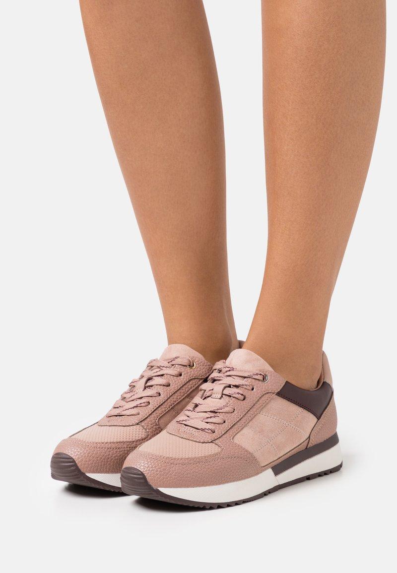 PARFOIS - Zapatillas - rose