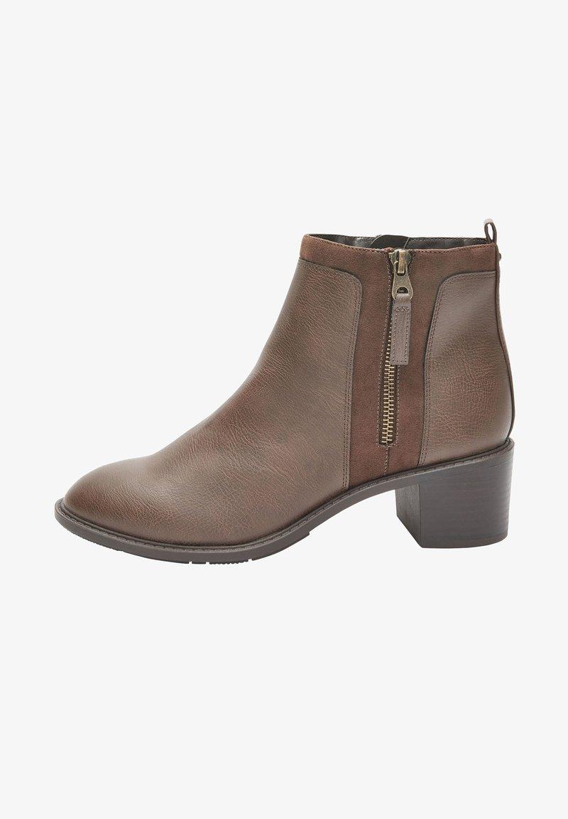 Next - FOREVER COMFORT® CHUNKY - Korte laarzen - brown