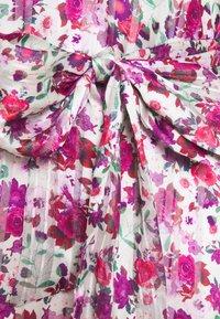 Guess - ANITA - Blouse - heartbreaker roses - 2