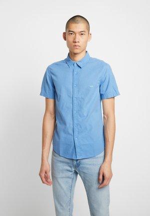 BATTERY SLIM - Shirt - riverside garment dye