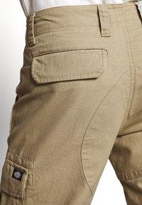 Dickies - EDWARDSPORT - Cargo trousers - khaki - 5