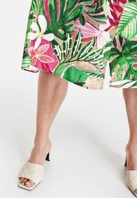 Gerry Weber - Wrap skirt - lila pink grün druck - 2