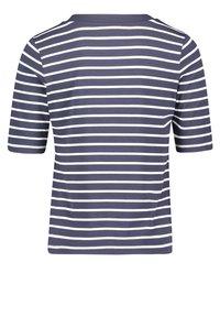 Betty Barclay - Print T-shirt - dunkelblau weiß - 4