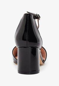 Bianco - IN MANDELFORM - Classic heels - black - 4