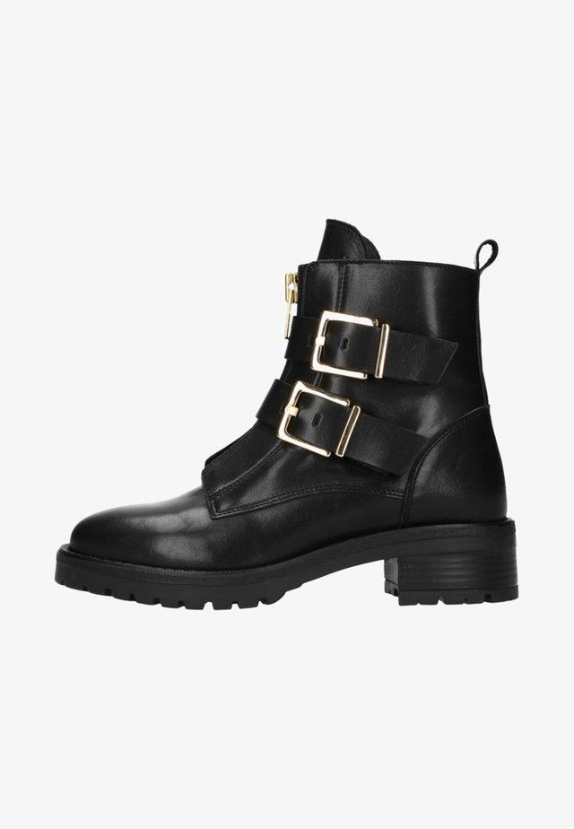 MIT ZWEI SCHNALLEN - Cowboy/biker ankle boot - black