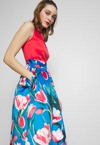 Closet - COLLAR FULL SKIRT DRESS - Vestito elegante - red - 4