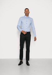 Seidensticker - SLIM SPREAD PATCH - Camicia elegante - hellblau - 1