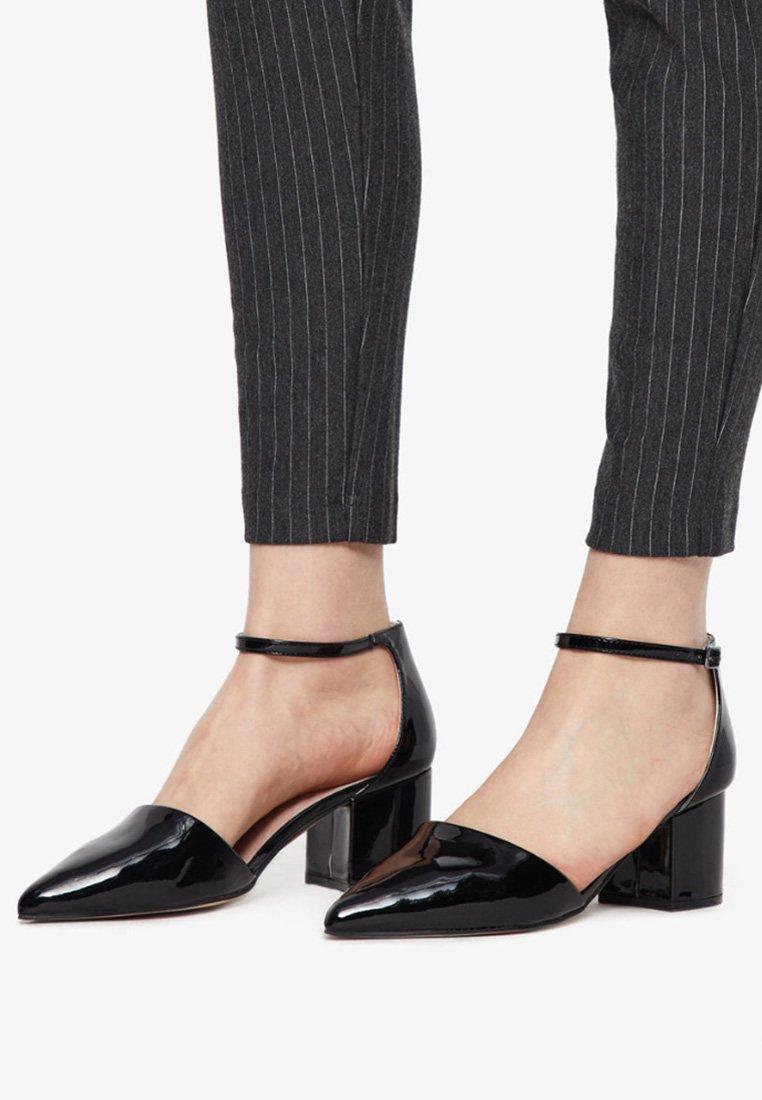 Bianco - IN MANDELFORM - Classic heels - black