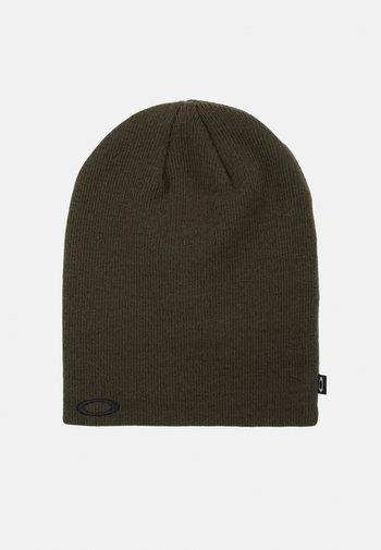 FINE HAT