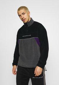 Mennace - CHEVRON PANEL POLAR FLEECE 1/4 ZIP SWEATSHIRT - Sweatshirt - black - 0
