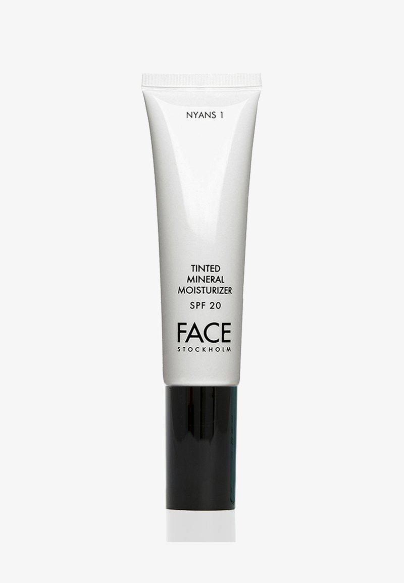 FACE STOCKHOLM - TINTED MINERAL MOISTURIZER - Tinted moisturiser - nyans 1