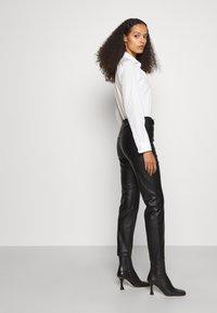 Pinko - SUSAN - Pantalon classique - black - 4