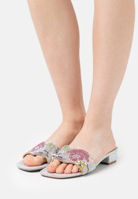 Blue by Betsey Johnson - LINS - Mules - nude - 0