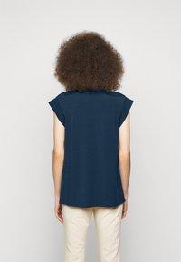 WEEKEND MaxMara - MULTIC - Basic T-shirt - chinablau - 2