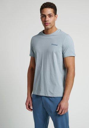HMLTORONTO  - Print T-shirt - quarry