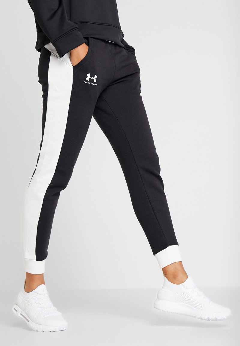 Under Armour - RIVAL GRAPHIC NOVELTY PANT - Tracksuit bottoms - black/onyx white