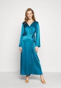 Cortefiel - WRAP LONG DRESS - Iltapuku - medium blue - 0