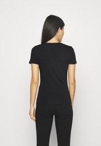 Marks & Spencer London - FITTED CREW - Basic T-shirt - black - 2